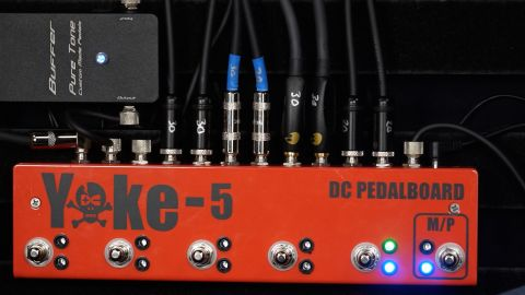 Blues Guitar Lessons - DC Pedal Board Yoke 5 True Bypass Loop Switcher