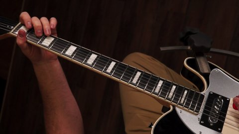 Blues Guitar Lessons - 3 Quick Tips For That Box 1 Slide
