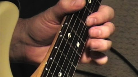 Blues Guitar Lessons - Awesome 5-4-1 Walkdown From Texas Flood, El Mocambo