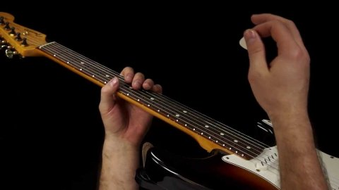 Blues Guitar Lessons - Texas Flood Solo Break
